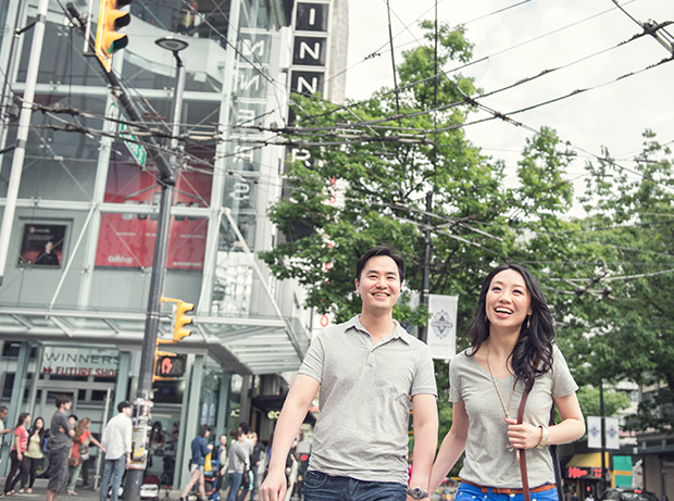 lestelle_vancouver_engagement_robson_downtown_03