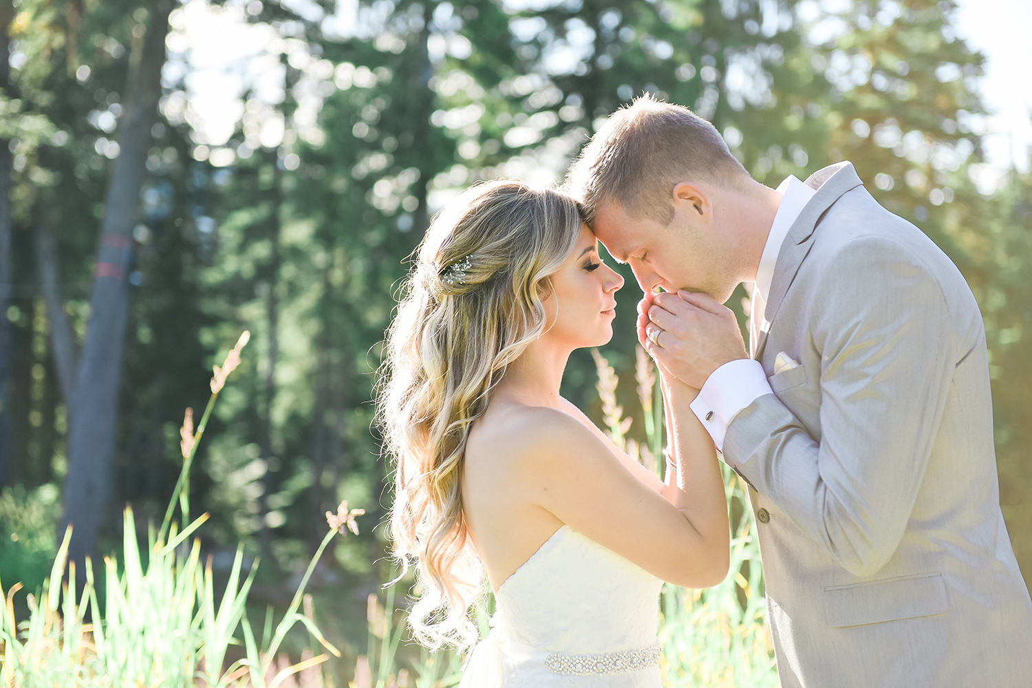 lestelle-photography-grouse-mountain-wedding-rustic-bridal